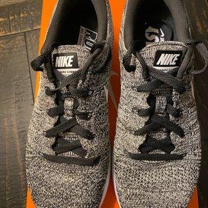 Nike Shoes - Women's Nike Lunarepic Low Flyknit
